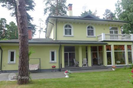 Luxury houses for sale in Jurmalas pilseta. Cozy cottage in Jurmala