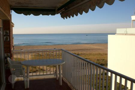 4 bedroom apartments by the sea for sale in Catalonia. Apartment – Castelldefels, Catalonia, Spain