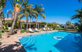 Luxury houses with pools for sale in Murcia. Delightful villa in prestigious setting of Altos Reales