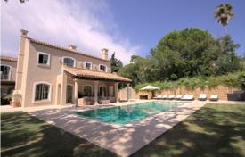 Houses for sale in Castille and Leon. Magnificent recently constructed cortijo style villa