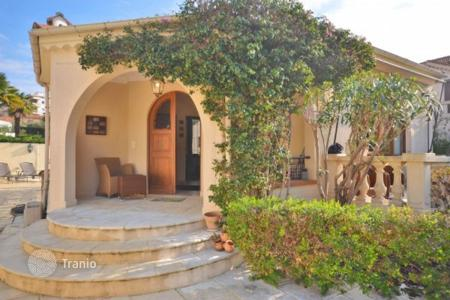 2 bedroom houses for sale in Provence - Alpes - Cote d'Azur. Villa – Juan-les-Pins, Antibes, Côte d'Azur (French Riviera),  France
