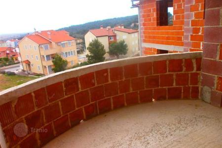 Property for sale in Ližnjan. House Ližnjan, apartment building with 9 apartments, unfinished. Beautiful view on the sea!