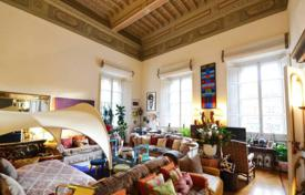 Luxury apartments for sale in Florence. Apartment in a historic building, Florence, Italy