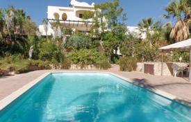 4 bedroom houses for sale in Faro. 4 Bedroom Villa with Pool in Vale d'el Rei, near Lagoa, West Algarve