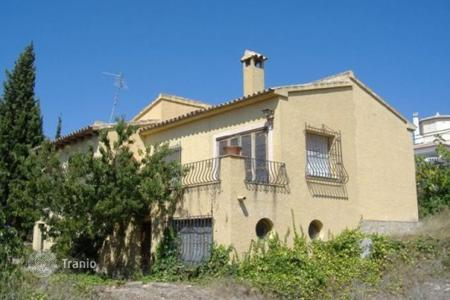 Cheap 3 bedroom houses for sale in Calpe. Villa of 3 bedrooms in Calpe