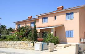 Off-plan houses with pools for sale in Southern Europe. Spacious villas with a fantastic sea view