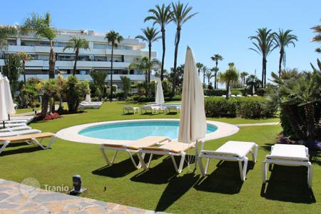 Luxury 3 bedroom apartments for sale in Andalusia. Ground Floor Apartment for sale in Los Granados, Marbella — Puerto Banus