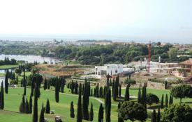 Development land for sale in Marbella. Plot with project, offering sea and mountain views in Los Flamingos