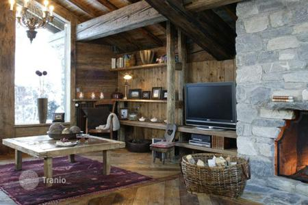 Villas and houses for rent with swimming pools in Val d'Isere. Chalet – Val d'Isere, Auvergne-Rhône-Alpes, France