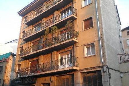 Foreclosed 4 bedroom apartments for sale in Segovia. Apartment – Segovia, Castille and Leon, Spain
