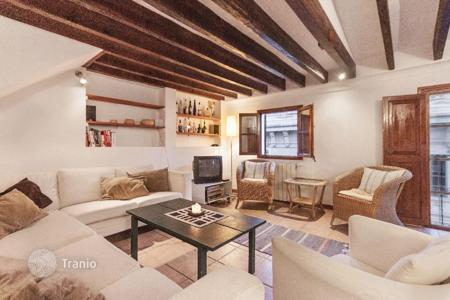 Penthouses for sale in Balearic Islands. Cozy penthouse with a terrace, in the historic center of Palma, Mallorca, Spain