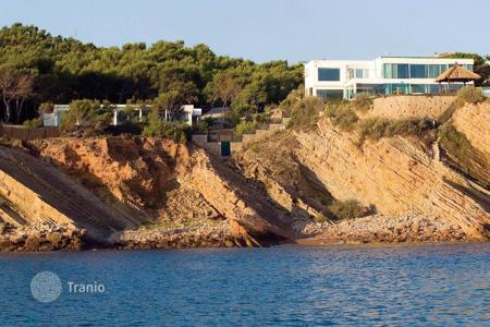 Luxury 5 bedroom houses for sale in Alicante. Luxury Villa in Alicante, stunning sea views