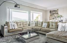 Apartments with pools for sale in Marbella. Comfortable apartment with a terrace and a parking, in a complex with gardens, pools and tennis courts, Marbella, Spain
