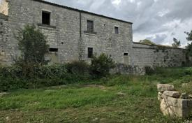 Historical house with a large plot and a beautiful view of the countryside, Sicily, Italy for 250,000 €
