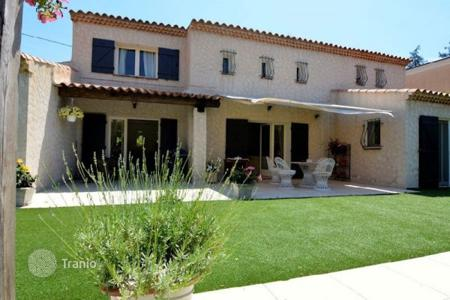 3 bedroom houses for sale in Europe. Villa – Antibes, Côte d'Azur (French Riviera), France