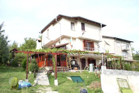 Cheap 3 bedroom houses for sale in Bulgaria. Detached house - Sofia region, Bulgaria