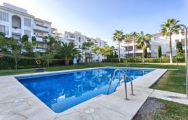 Cheap 3 bedroom apartments for sale in Andalusia. Spacious 3 bedroom apartment close to golf course and the beach, Urb. Selwo Hills, Estepona