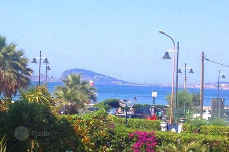Coastal townhouses for sale in Italy. Terraced house - Formia, Lazio, Italy