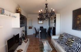 Residential for sale in Fuengirola. Cozy apartment with a terrace, a garage and sea views in a residence with a pool and a garden, in a quiet area, Torreblanca, Spain