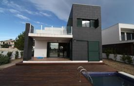 5 bedroom houses from developers for sale overseas. Luxury villa on the seafront