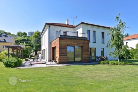 Residential for sale in Statenice. Townhome – Statenice, Central Bohemia, Czech Republic