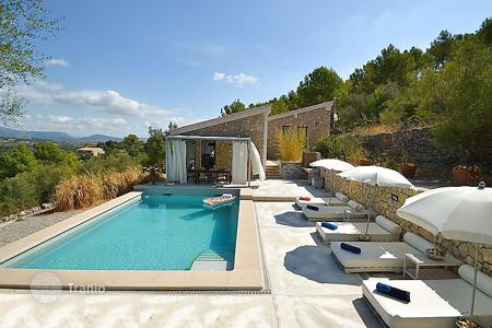 3 bedroom villas and houses to rent in Majorca (Mallorca). Detached house – Selva, Balearic Islands, Spain