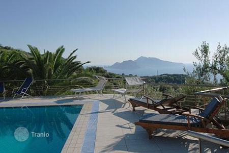 Villas and houses for rent with swimming pools in Amalfi. Villa del Rivo