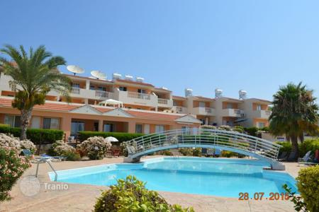 Cheap property for sale in Paphos. Furnished apartment in a prestigious residential complex in Peyia, Cyprus