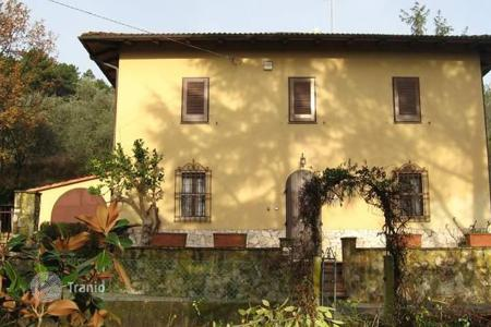 Residential for sale in Montecarlo. Villa – Montecarlo, Tuscany, Italy