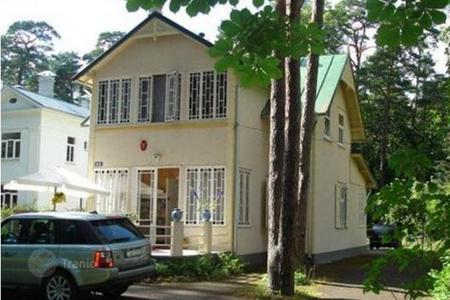 Coastal property for sale in Baltics. Large two-storey house in Jurmala