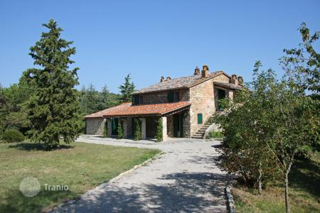 Property for sale in Parrano. A very attractive old stone farmhouse recently fully restored retaining all the traditional Umbrian architectural features