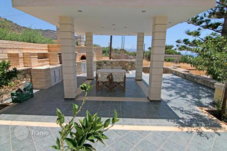 Houses with pools for sale in Ierapetra. Detached house – Ierapetra, Crete, Greece