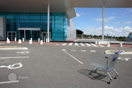 Business centres for sale in Germany. Shopping center with yield of 7.8%, Lower Saxony, Germany