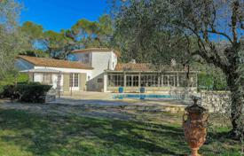 Luxury 4 bedroom houses for sale in Mougins. Mougins — Residential area