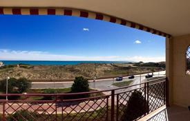 Two-bedroom apartment on the first line from the sea in La Mata, Alicante, Spain for 149,000 €