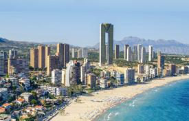 4 bedroom apartments for sale in Spain. 4 bedroom apartment with sea views in front of the beach in Benidorm