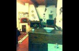 House in excellent condition in Prato, Tuscany, Italy for 640,000 €