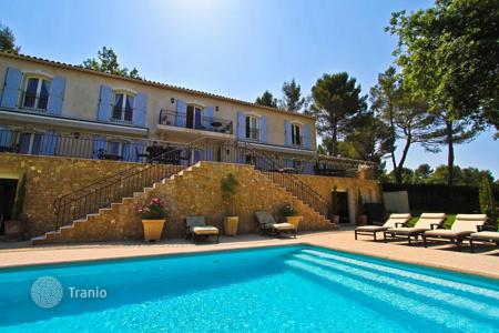Luxury property for sale in Mougins. Sumptuous property in a very quiet area of Mougins