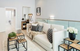 Residential for sale in London. Spacious apartment with a balcony in a new residence with a concierge, terraces and a garden, London, UK