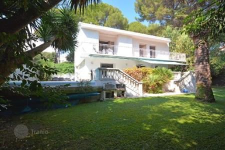 3 bedroom houses for sale in Antibes. Villa – Cap d'Antibes, Antibes, Côte d'Azur (French Riviera),  France