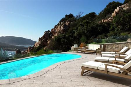 4 bedroom houses by the sea for sale in Sardinia. Detached house – Trinita'D'agultu E Vignola, Sardinia, Italy
