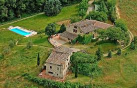 Ancient XVI century villa with a swimming pool in Castelnuovo Berardenga, Tuscany, Italy for 1,500,000 €