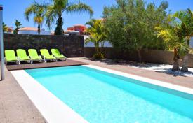 Coastal residential for rent in Spain. Villa – Santa Cruz de Tenerife, Canary Islands, Spain