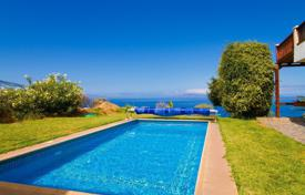 Houses with pools for sale in Canary Islands. Villa – Alcalá, Canary Islands, Spain