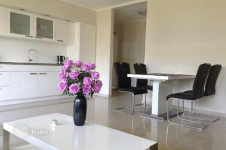 Residential for sale in Hessen. Bright one bedroom apartment with garden and terrace (20 m²) in Riedberg, Frankfurt