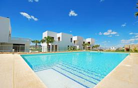 Property for sale in Algorfa. Modern apartments with private garden in La Finca Golf