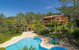 Luxury houses for sale in Muan-Sarthe. Close to Mougins — Residential environment