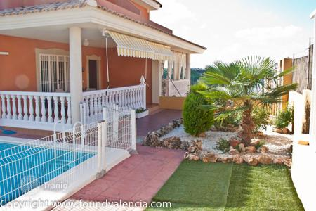Cheap 4 bedroom houses for sale in Spain. Villa – Montserrat, Valencia, Spain