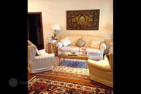 Property for sale in Prato. Apartment – Prato, Tuscany, Italy