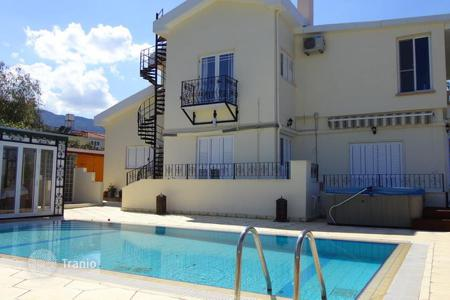 Coastal houses for sale in Kyrenia. Villa - Kyrenia, Cyprus